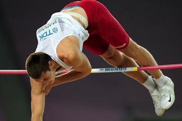 Pawel Wojciechowski of Poland wins the Pole Vaut final in Daegu (Getty Images)