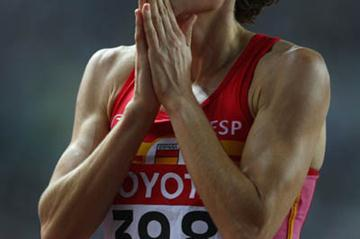 Mayte Martinez of Spain celebrates advancing to the women's 800m final (Getty Images)