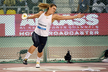 Sandra Perkovic goes beyond 71 metres in the discus at the IAAF Diamond League meeting in Doha (Hasse Sjogren)