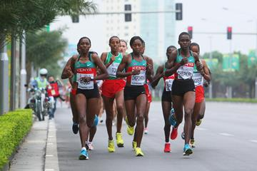 Peninah Arusei leads the women's race at the 2010 World Half Marathon Championships in Nanning (Getty Images)