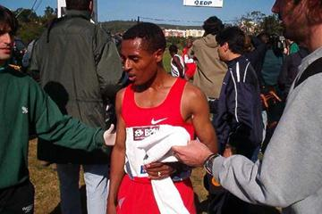 Bekele after his cross country win in Oeiras (Paulo Costa)