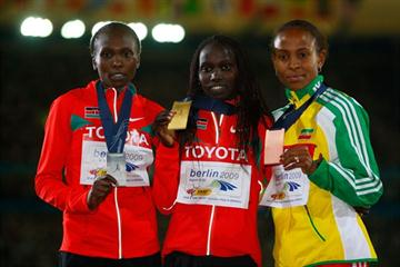 The medallists in the women's 5000m (L-R) Kenya's Sylvia Kibet (silver), Kenya's Vivian Cheruiyot (gold) and Ethiopia's Meseret Defar (bronze) (Getty Images)