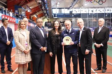 WA Heritage Plaque awarded to NYRR Millrose Games and Wanamaker Mile: Armory Foundation Co-Presidents Rita Finkel and Jonathan Schindel and NYRR CEO Michael Capiraso accepted the award from USATF CEO Max Siegel and USATF COO Renee Washington. (NYRR)
