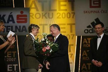 Barbora Špotáková receives Czech Athlete of the Year award from EAA Treasurer Karel Pilny (c)