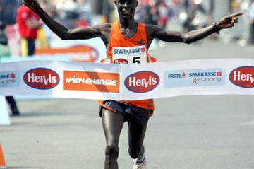 Big win for Luke Kibet in Vienna (Victah Sailer)