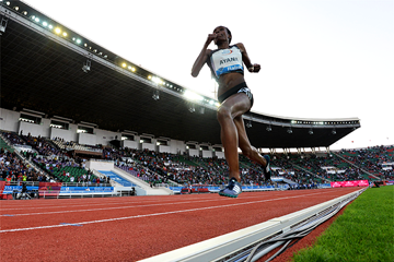 Almaz Ayana in the 5000m at the IAAF Diamond League meeting in Rabat (Kirby Lee)