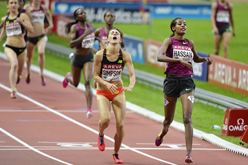 Sifan Hassan finishes ahead of Jenny Simpson in the 1500m (AFP / Getty Images)