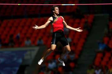 Thomas van der Plaetsen in the decathlon pole vault (Getty Images)