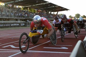 Hug wins 10000m T54 title at the  IPC Athletics World Championships ( IPC Athletics World Championships Lyon 2013)