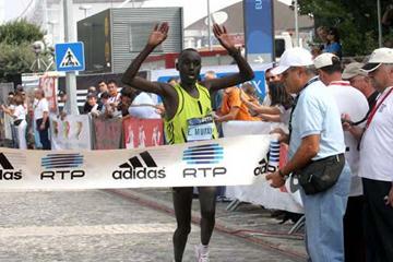 Emmanuel Mutai wins in Portugal (LUIS LOPES/Maratona Clube de Portugal)