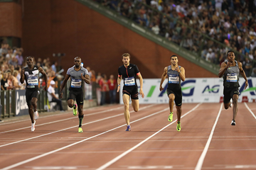 Julian Forte (right) wins the 200m at the IAAF Diamond League final in Brussels (Giancarlo Colombo)