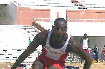 Osniel Tosca triple jumps to 17.08m in Havana (Javier Clavelo Robinson)