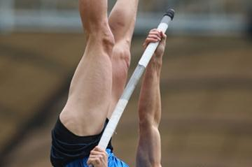 Derek Miles wins the World Athletics Final pole vault to make up for missing out on the medals in Beijing (Getty Images)
