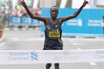 David Barmasai of Kenya winning the 2011 Dubai Marathon (Victah Sailer)