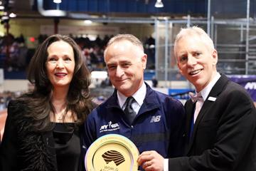 Armory Foundation Co-Presidents Rita Finkel and Jonathan Schindel and NYRR CEO Michael Capiraso with WA Heritage Plaque (NYRR)