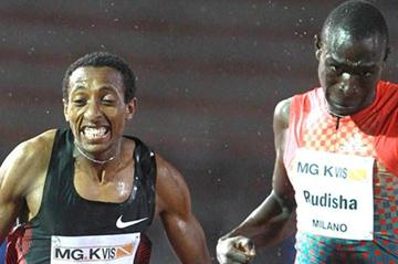 Teenager Mohammed Aman (left) halts David Rudisha's 800m win streak in rainy Milan (Giancarlo Colombo)