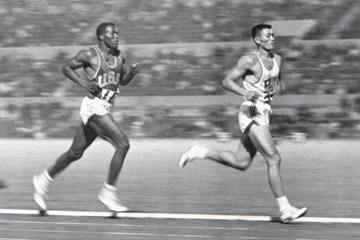 Rafer Johnson and Yang Chuan-kwang in the decathlon1500m at the 1960 Olympic Games (Getty Images)