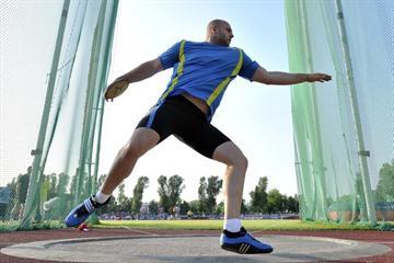 Malachowski spins out a winner in Warsaw (Adam Nurkiewicz / Mediasport)