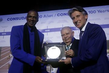 Robson Caetano Da Silva receives IAAF Plaque - CONSUDATLE Centennial Dinner, Gran Salon, Panamerican Hotel, Buenos Aires (Getty Images for IAAF)