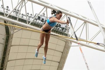 Yelena Isinbayeva in Daegu (Daegu 2011)