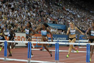 Kendra Harrison (centre) leads the 100m hurdles at the IAAF Diamond League meeting in Zurich (Jean-Pierre Durand)