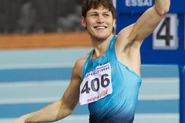 Ivan Ukhov celebrates his high jump victory (Alexander Kiselev / www.sportfoto.ru)