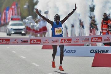 Sheila Jerotich breaks the course record at the Orlen Warsaw Marathon (Organisers)