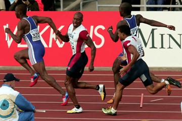 The US 4x100m relay team drop the baton at the first exchange (Getty Images)