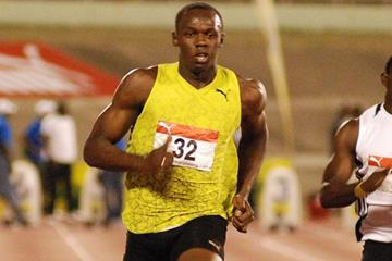 Comfortable round 1 victory for Usain Bolt at the national championships in Kingston (Anthony Foster)