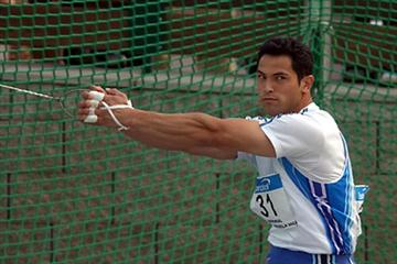 Koji Murofushi becomes the third all time best thrower in Prague (TrackAndFieldPhoto.com)