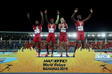 USA celebrate their 4x400m victory at the IAAF/BTC World Relays, Bahamas 2015 (Getty Images)