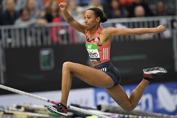 Ana Peleteiro in the triple jump at the IAAF World Indoor Tour meeting in Karlsruhe (Jiro Mochizuki)