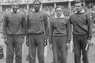 Jesse Owens, Ralph Metcalfe, Foy Draper and Frank Wykoff at the 1936 Olympics (Creative Commons)