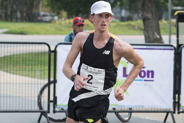 Evan Dunfee on his way to winning the 50km race walk in Monterrey (Estatal de Cultura Física y Deporte de Nuevo Leon)