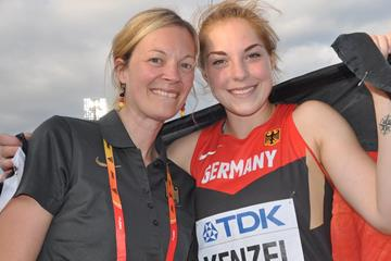 Silke Bernhart celebrating with world U20 shot put champion Alina Kenzel in Bydgoszcz (Olaf Brockmann)
