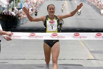 Benita Johnson wins Freihofer's Run for Women 5K (c)