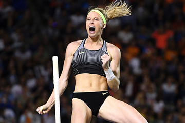 USA's Sandi Morris celebrates her winning clearance in the pole vault (AFP / Getty Images)