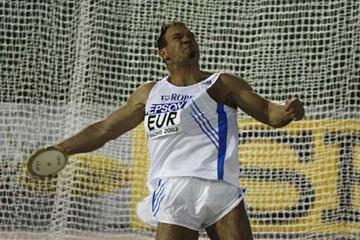 2002 – Throws Review| News | iaaf.org