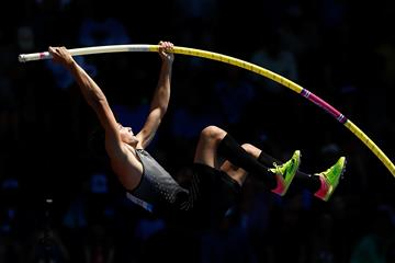 Armand Duplantis in the pole vault at the IAAF Diamond League meeting in Eugene (Getty Images)