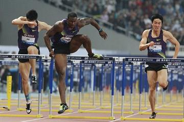 David Oliver en route to his commanding 12.99 victory in Shanghai (Errol Anderson)
