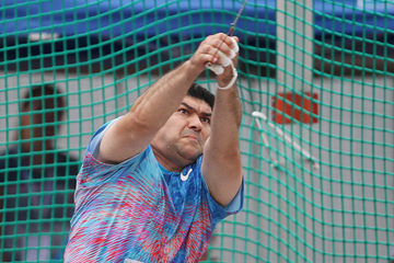 Dilshod Nazarov of Tajikistan in the hammer (AFP / Getty Images)
