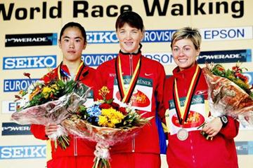 Jing Jiang (CHN), Yelena Nikolayeva (RUS) and Maria Vasco (ESP) on Naumburg 20km podium (Getty Images)