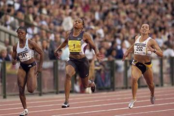 Marion Jones wins Van Damme 100 metres (Getty Images Allsport)