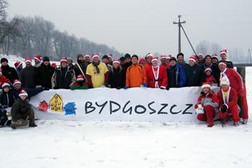 Citizens of Bydgoszcz brave the cold for their weekly run on the World XC course to promote the 38th edition of the championships to be celebrated in the city on 28 March 2010 (LOC)