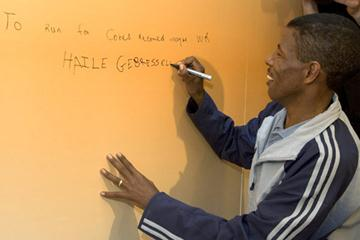 Haile Gebrselassie writes his personal mission statement prior to the 30th edition of  the ING Amsterdam Marathon (ING Amsterdam Marathon)