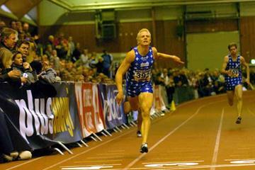 Johan Wissman sets a 20.66 national record at the Swedish Indoor Championships (Hasse Sjögren)
