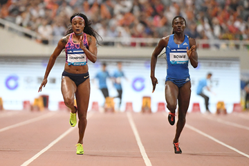 Elaine Thompson powers to 100m victory at the IAAF Diamond League meeting in Shanghai (Errol Anderson/Jiro Mochizuki)