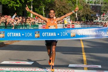 Andamlak Berta takes the Ottawa 10k (Kevin Morris (organisers))