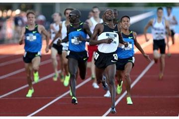 Bernard Lagat wins the 1500m to complete 1500m/5000m double at US Olympic Trials (Getty Images)