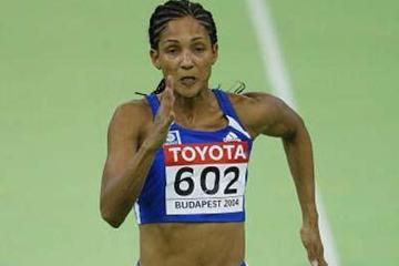 Christine Arron (FRA) winning her 60m heat (Getty Images)